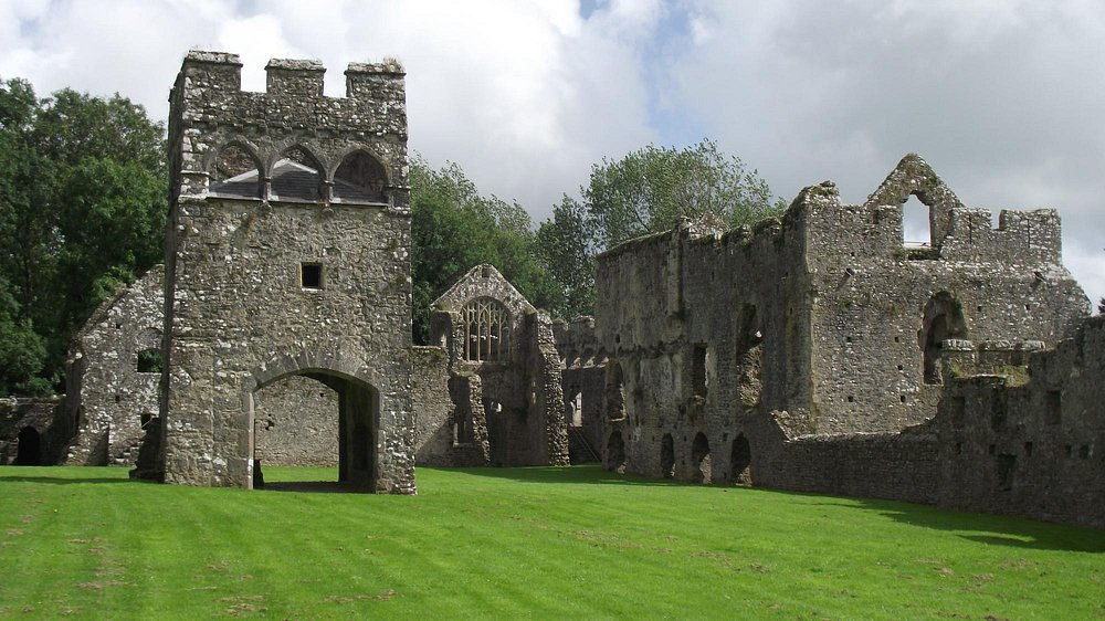 Lamphey: Palace buidlings
