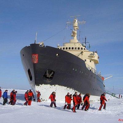 Snowmobile safari to Sampo Icebreaker