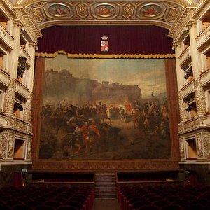teatro mancinelli - interno