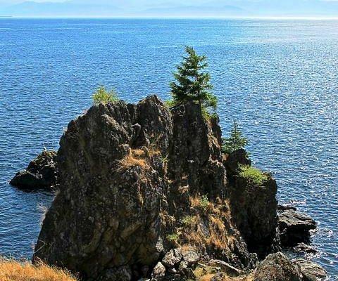 Remarkable views across the Straits of Jean de Fuca