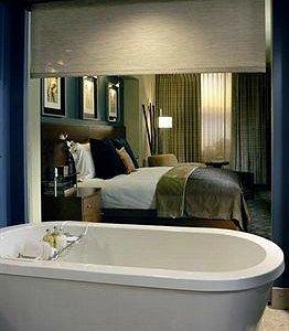 Awesome room & bath