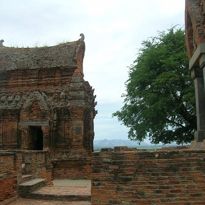 In the group of Poklong giarai Temple Towers, they have 3 tower in the CHAMPA Culture, gate towe