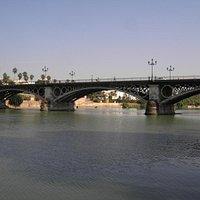 Puente de Isabel II, Seville