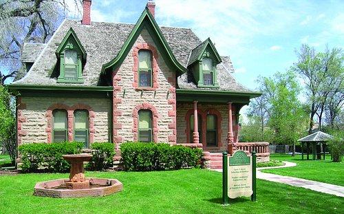 Avery House