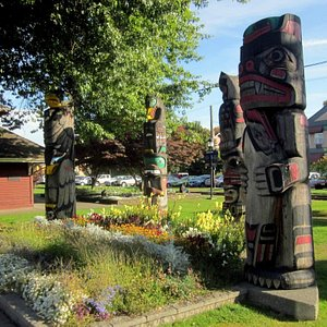 Totems at the train station