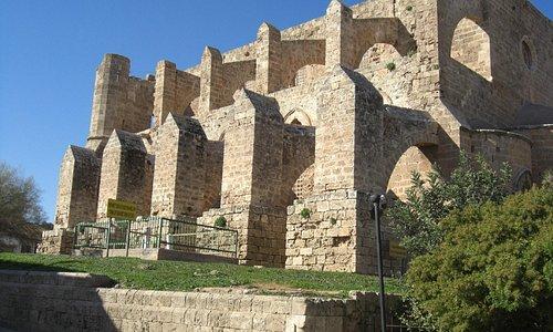 Inmens grote en oude bouwwerken