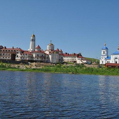 Винновка. Мужской монастырь.
