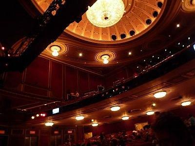劇場の中の様子