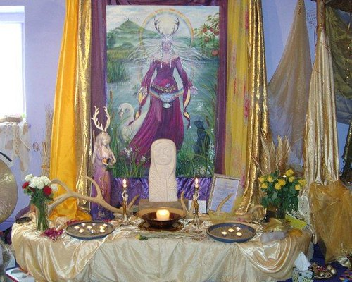 Central Altar at Lammas