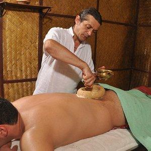 Kati vasthi treatment for back pain