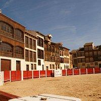 Plaza del coso con sus balconadas