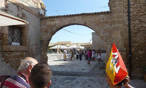 arco accesso piazza