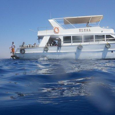 La nostra barca ci aspetta paziente
