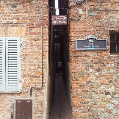 Città della Pieve_Accesso al Vicolo Baciadonne