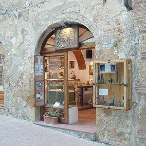 Balducci Ceramica ( Piazza delle Erbe 5 )