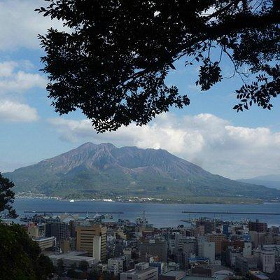 城山展望所からの桜島の眺め