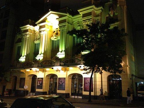 Teatro Renault (Abril) 1