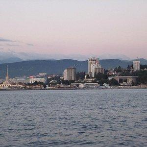 Вид с моря на берег, слева - Морвокзал