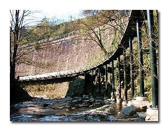 Millenium Walkway - only 2 minutes walk from New Mills Central station