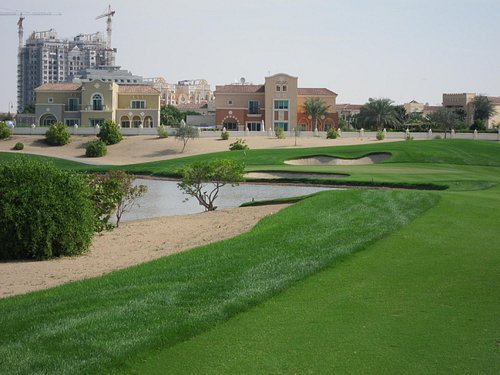 7th Hole - To flaghunt or not?