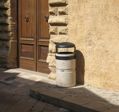 Porta d'ingresso della Casa natale di Giulio Cesare