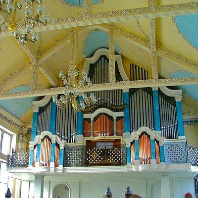 Livadia Organ Hall: organ