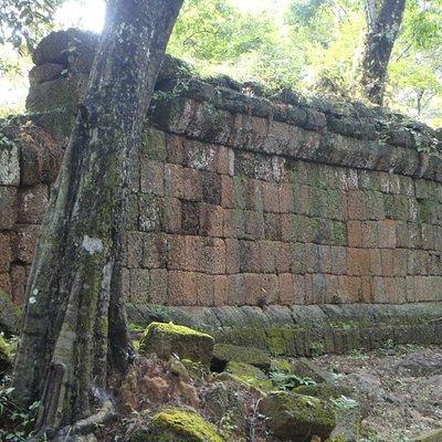 ruins of an enclosure wall of Chau Srei Vibol