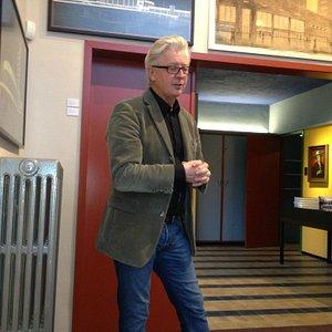 De kleinzoon van de architect Jozef Schellekens geeft toelichting...