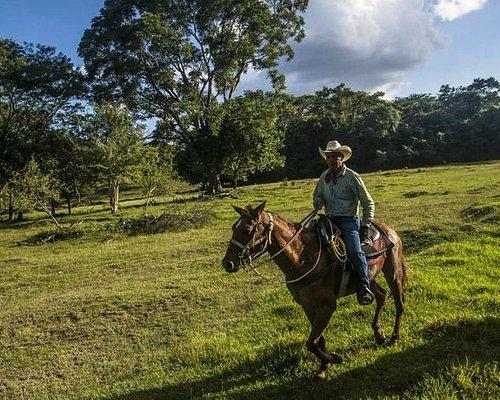 Horseback riding to Xunantunich Mayan ruins at Hanna Stables