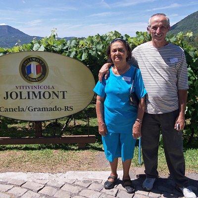 Uma verdadeira aula sobre vinhos foi dada por uma enóloga pernambucana da Jolimont. Parabéns!