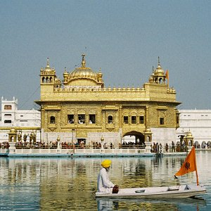 The Golden Temple where we bumped into Davindar for a second time!