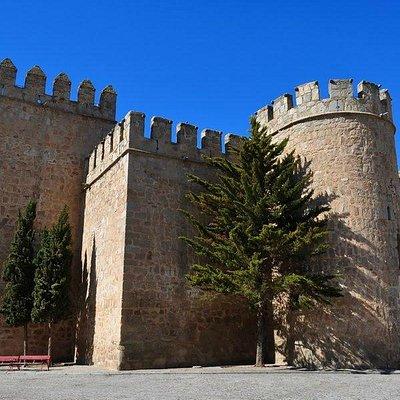 Vista lateral desde la Plaza del Castillo