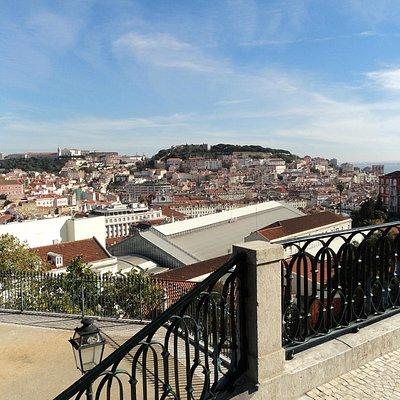 Vista do Miradouro São Pedro de Alcantara, Lisboa, Portugal
