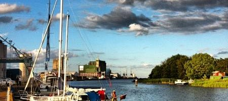 Off for evening meal - free boat trip across the inlet from Gamla Skeppsbron.