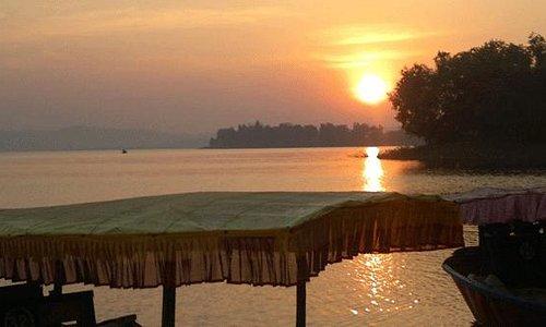 Dhudhni lake
