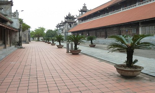 The courtyard and main building