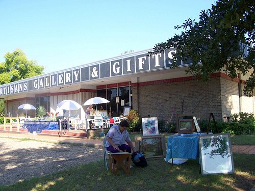 Artisans Gallery and Gifts
