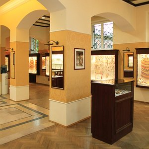 AMBER GALLERY