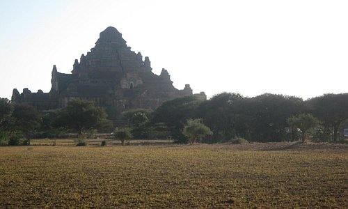 The pyramid-like temple that is huge enough to be seen from everywhere in Bagan