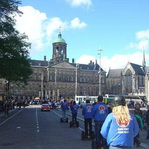 Look at the palace on Dam square