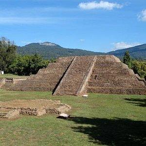 Pirámide de La Luna, Tingambato, Michoacán.