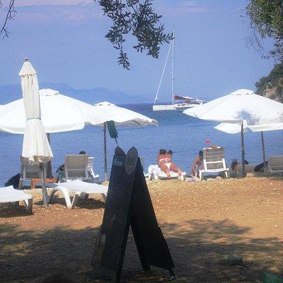 Dal bar in Filiatro beach