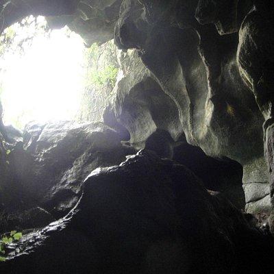 Entrada de Cueva Mora