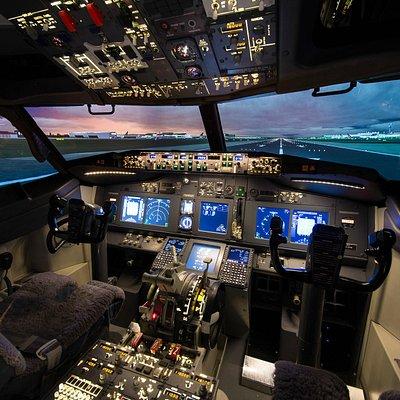 Virtual Aviation Boeing 737-800 simulator at Cambridge Airport