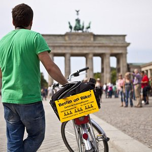 Berlin on Bike Brandenburger Tor