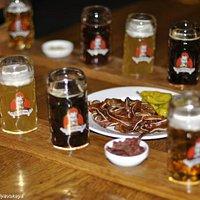 Метр пива и свиные ушки