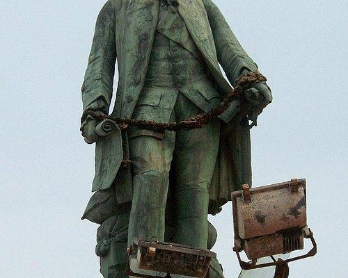 Statue of Dupleix on beach road Pondicherry