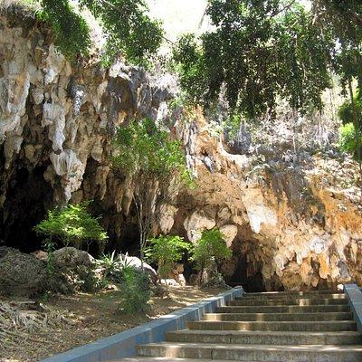 Half open Tabuhan Cave