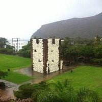"""Foto de la """"Torre del Conde"""" desde un hotel"""