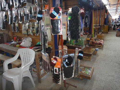 Banca vendendo cabelos no Mercado Sucupira